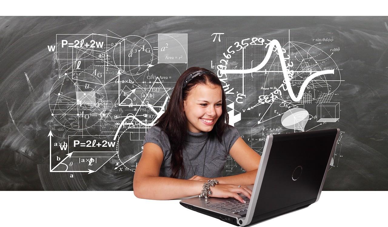 Educación y tecnologías: Las TIC, la escuela y la relación espacio-tiempo